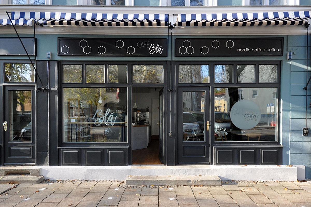 http://lovadesign.de/wp-content/uploads/2018/12/3-cafe-bla-muenchen-lova-mery-reif-cover.jpg