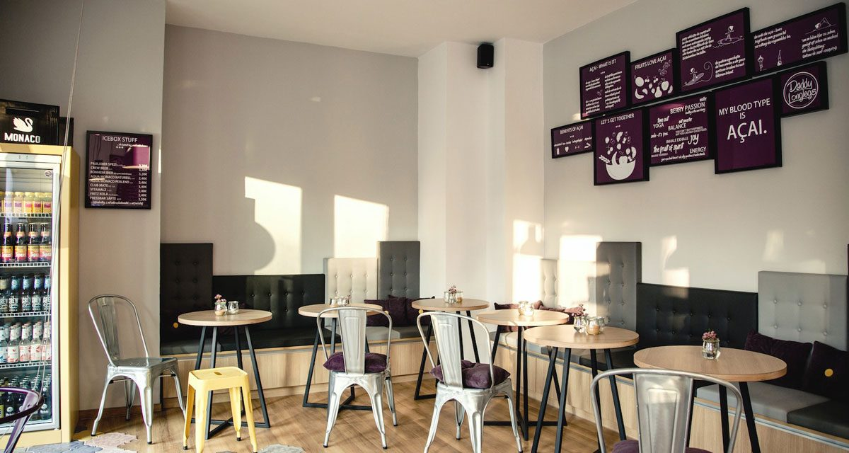 http://lovadesign.de/wp-content/uploads/2018/12/3-lova-raum-lomglegs-muenchen-cafe-acai-1200x640.jpg